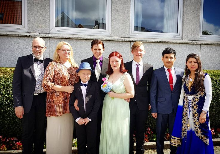 Hele den nydelige familien min!  #barn #barnebarn #svigerbarn #bonusbarn #mann  #bonusbarnebarn #familie #bryllup #ekteskap