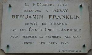 Le nom du Quai Franklin, costruit à une date beaucoup plus ancienne, correspond au débarquement, en 1776, de l'ambassadeur américain Benjamin Franklin qui venait demander le soutien de la France concernant la future indépendance des Etats-Unis.