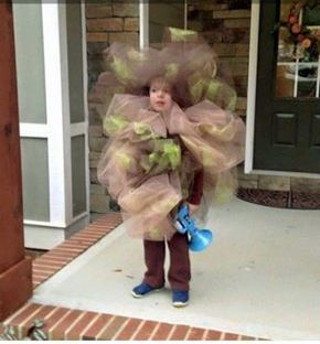 Fart costume for kids, funny costume, Best Halloween costumes for kids, DIY kids costumes, easy kids costumes to make, adorable and cute Halloween costumes for toddlers and infants, Halloween party ideas