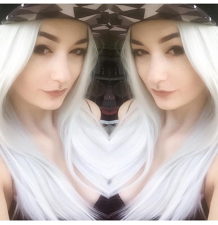 @hari.cosplay Is being super cute  She looks gorgeous wearing Ice Queen  #lushwigsicequeen #lushwigs #wig #gorgeous