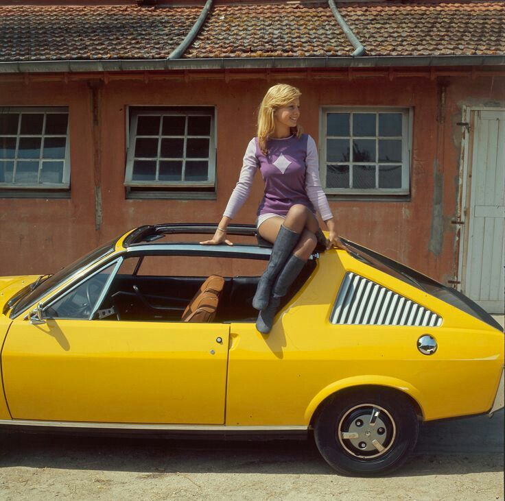Renault 17 lady.