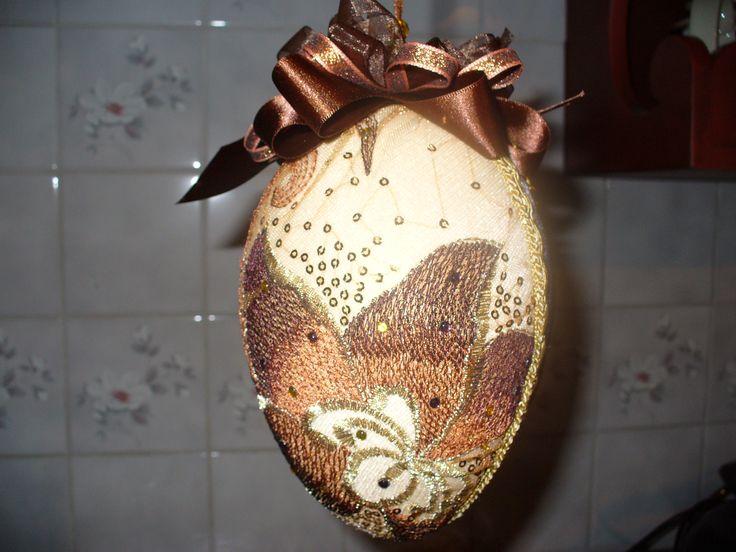 Kannkaalla päällystetty tyrox muna