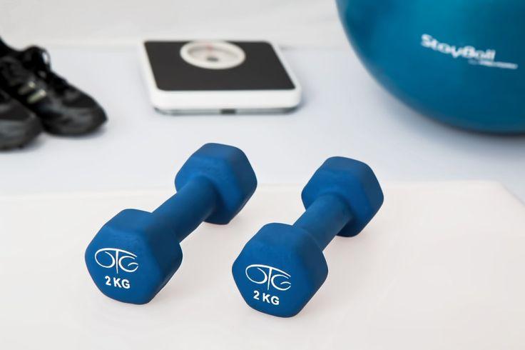 Dla każdego kto chce poprawić swoją siłę, zdrowie, zyskać mięśnie, wytrzymałość i dla każdego kto po prostu lubi efektywny wysiłek fizyczny, idealną opcją będą hantle. Hantle są sprzętem sportowym przeznaczonym do wykonywania ćwiczeń fitness, a także do ćwiczeń ogólnorozwojowych oraz często wykorzystywane podczas rehabilitacji. To przyrząd niedrogi a dający dobre ...