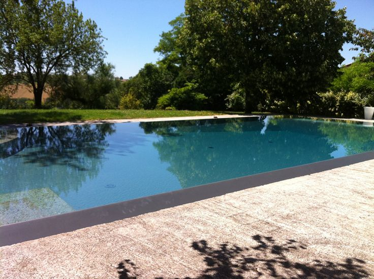 Les 38 meilleures images du tableau piscine sur pinterest for Piscine miroir carre bleu