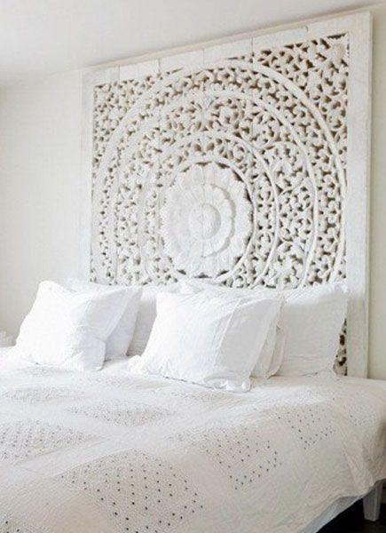 Mandalas: Espectaculares cuadros orientales tallados en madera con efecto blanco envejecido. Ya en nuestra tienda de Madrid. http://www.originalhouse.info/catalogo/cuadros/page/6/