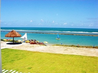 BANGALÔ A BEIRA MAR 3QTS 3BANHEI -COM COZINHEIRA/ARRUMADEIRA JÁ INCLUSO NO PREÇO Aluguer de férias em Muro Alto da @homeaway! #vacation #rental #travel #homeaway