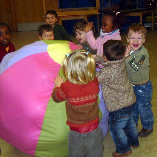 Afbeeldingsresultaat voor thema ballen en ballonnen