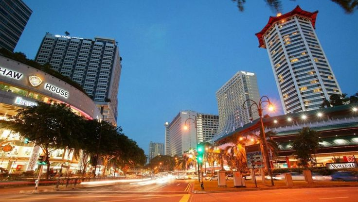 Singapore Orchar Road - Very good shopping with lots of cafes and different types of restaurant!