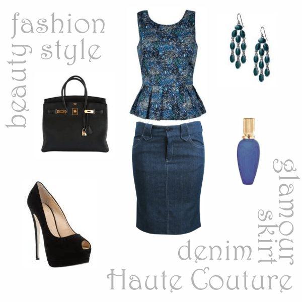 Зауженная джинсовая юбка с облегающей блузкой-пеплум
