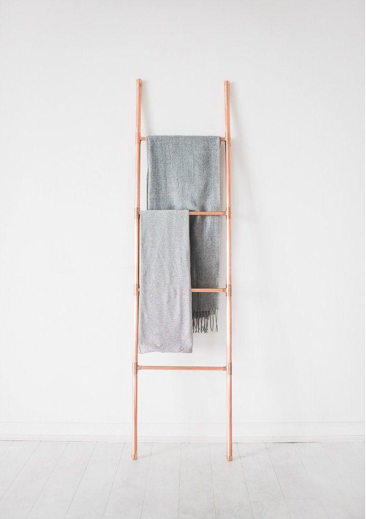 Luxury Blanket Towel Retail Display Copper Pipe Ladder