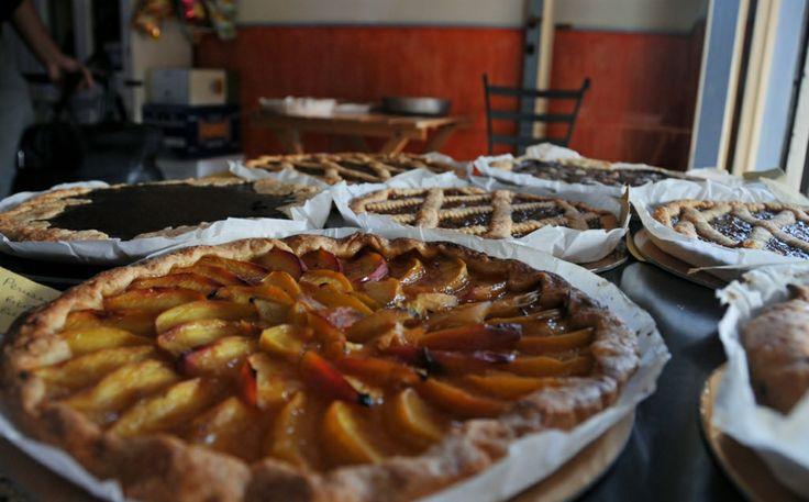 I NOSTRI DOLCI # dolci nostra produzione # crostata # peaches tart # fuorirotta # forte dei marmi # versilia # toscana # ITALY