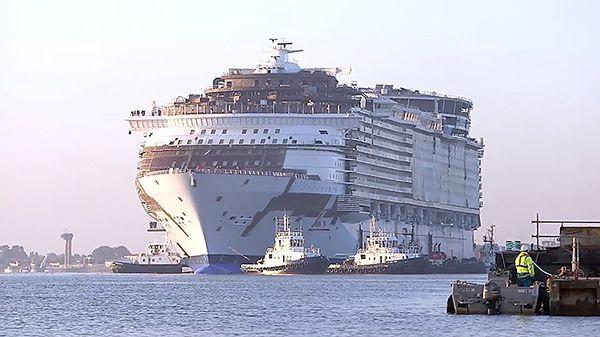 Идеальное путешествие: Крупнейшее пассажирское судно в мире отправилось в...