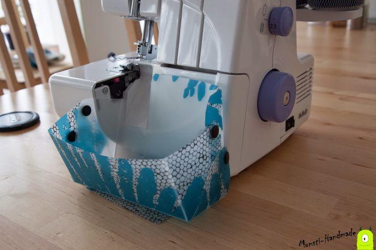 Hallo,     vor ein paar Wochen habe ich in der W6 Hilfegruppe bei Facebook einen Auffangbehälter für die Overlock Nähmaschine gesehen. Miri...