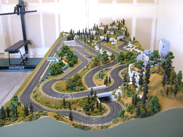 Personnalisé HO Slot Cars - Tom Druckenmiller Track - trackhobbies.com