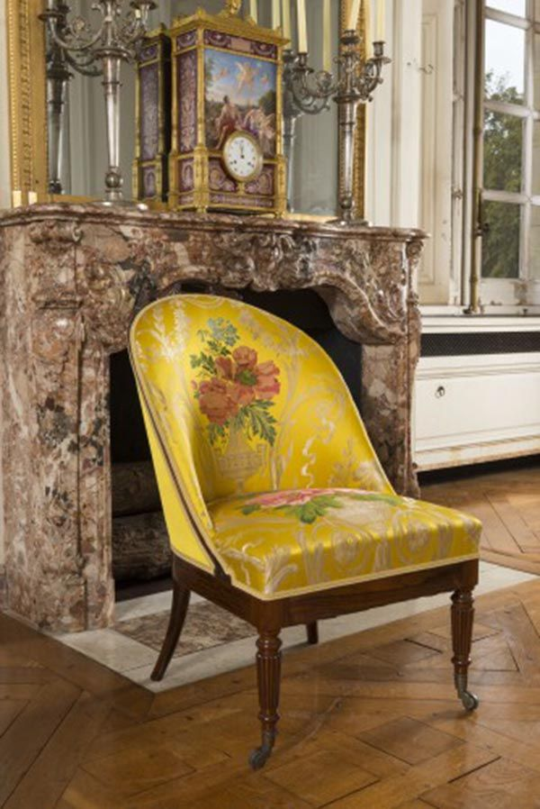 Louis-Philippe style : Louis-Edouard Lemarchand (1795-1872), Chair of Princess Clémentine of Orléans, Rosewood inlaid with holly, silk, Musée national des châteaux de Versailles et de Trianon.