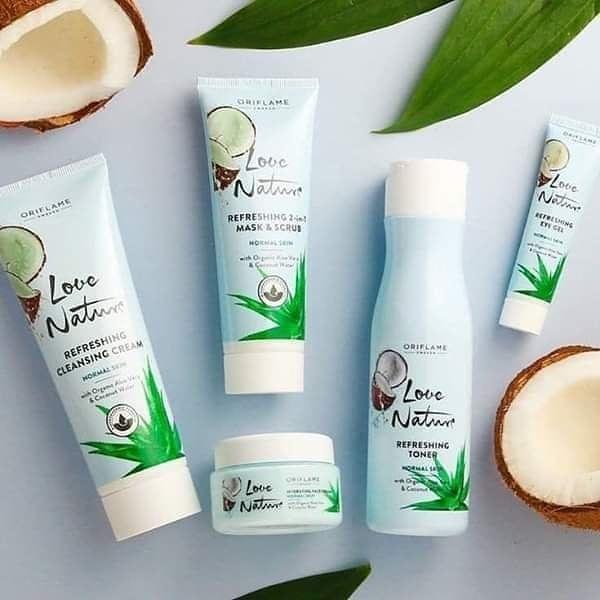 مفاجات اكتوبر تالت مفاجاتنا لوف نيتشور للبشرة المركبة مجموعة بخلاصة صبار و جوز الهند Oriflame Beauty Products Hydrating Face Cream Paraben Free Products