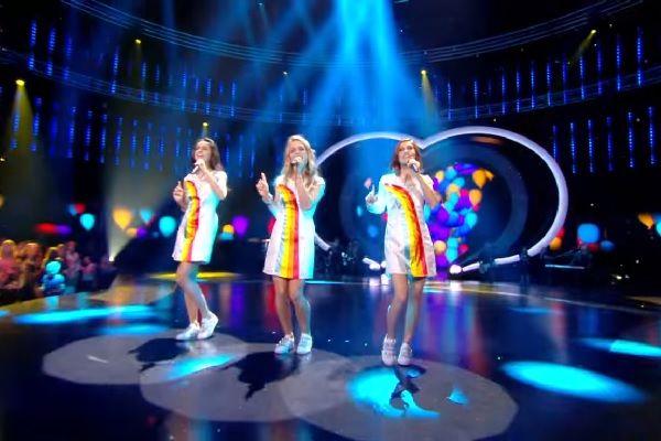 Het eerste album van K3 in de nieuwe samenstelling zal gericht zijn op dove en slechthorende kinderen. De werktitel van het nieuwe album luidt 'Duizend Kapotte Kinderoortjes'. In het televisieprogramma 'K3 zoekt K3′ werden Hanne, Klaasje en Marthe gekozen als nieuwe zangeressen. De drie meiden kregen veel kritiek. Veel kijkers twijfelen aan het zangtalent van het drietal. K3 heeft daarom [...]