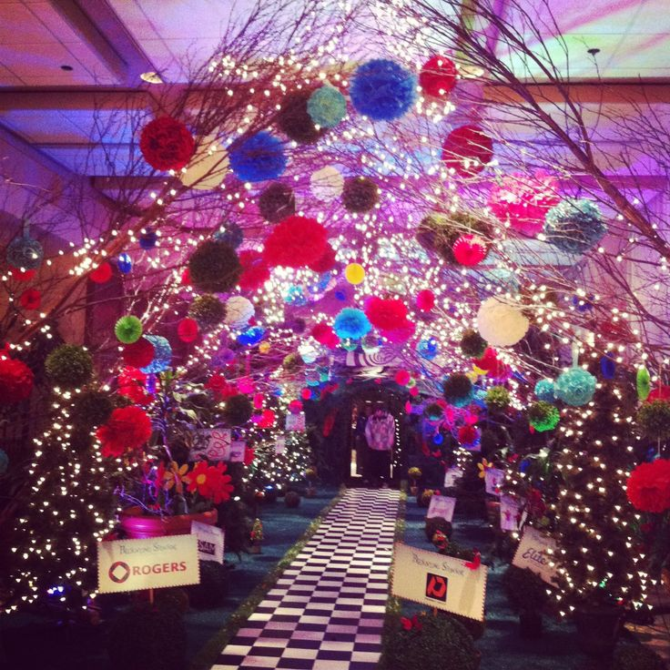 Best 20 alice programming ideas on pinterest alice in for Annual dinner decoration