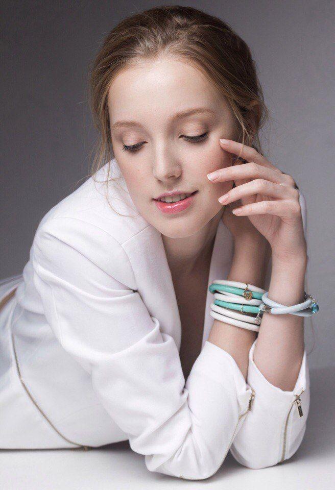 Отличных выходных))   Напоминаем про наши действующие акции: 15% скидка неделю до и после вашего Дня Рождения и 40% скидка всем ВЫПУСКНИКАМ!.   #мода #украшения #красота #подарки #accessories #follow #украшение #endlesslove #endlessjewelry #endlessjewelryrus #endless_jewelryrus