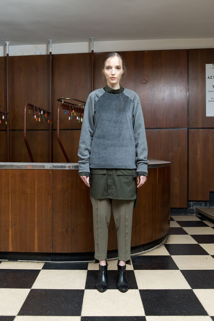 MEI KAWA | Plush Detail Raglan Sweatshirt
