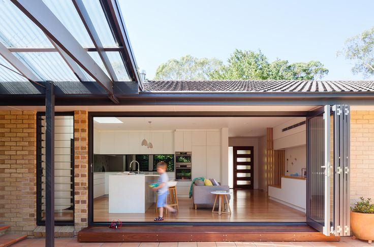 Indoor outdoor space at Escu House, Sydney — Bijl Architecture