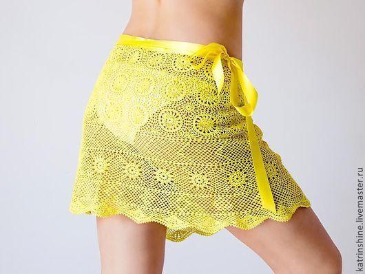 Юбки ручной работы. Ярмарка Мастеров - ручная работа. Купить Пляжная ярко-желтая юбка с запахом вязаной крючком винтажной скатерти. Handmade.