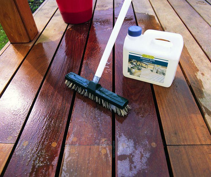 Il freddo è alle porte, preparate al meglio il vostro Decking, è sufficiente un lavaggio e una mano di Olio Woca.   ---   #Cilsa #Woca #decking #oliato #lavaggio #pulizia #legno #wood #pavimentolegno #pavimentilegno #pavimentoinlegno #pavimento #pavimenti #floor #flooring #woodfloor #woodfloors #woodflooring #abitarebio #biocompatibile #bioedilizia #bioarchitettura #architetto #exterior #design #exteriordesign #architettura #architecture