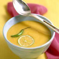 Courgetteroomsoep met citroen en kurkuma