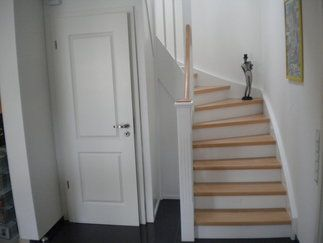 die besten 25 unter der treppe ideen auf pinterest unter der kellertreppe treppenschrank und. Black Bedroom Furniture Sets. Home Design Ideas