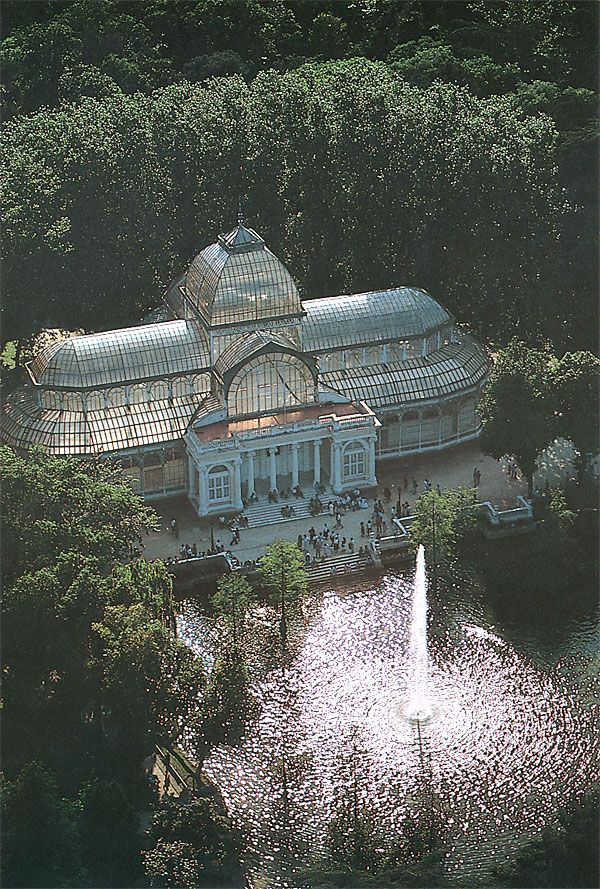 The Palacio de Cristal is a glass and metal structure located in Madrid's Buen Retiro Park.
