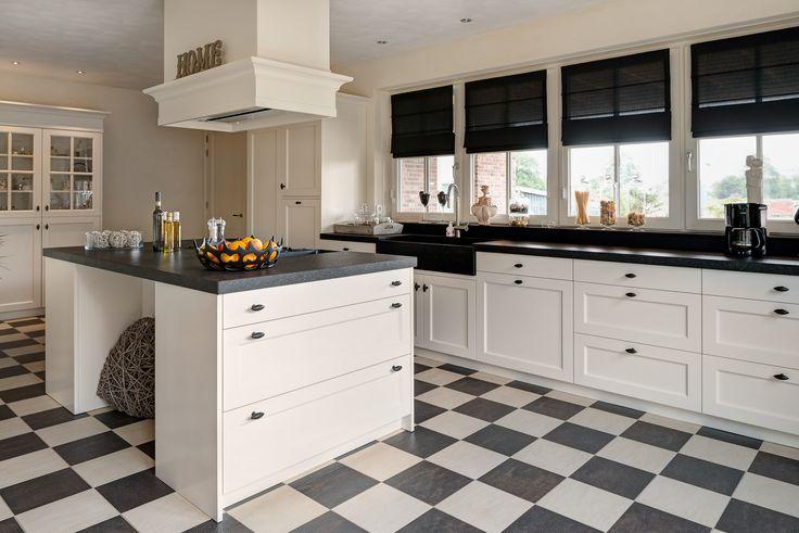 Vri interieur landelijke keuken modern wit en grijs met houten laden future home pinterest - Idee deco keuken grijs ...