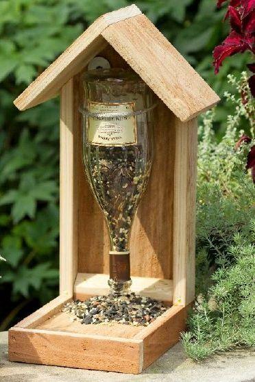 Karmnik dla ptaków z butelki