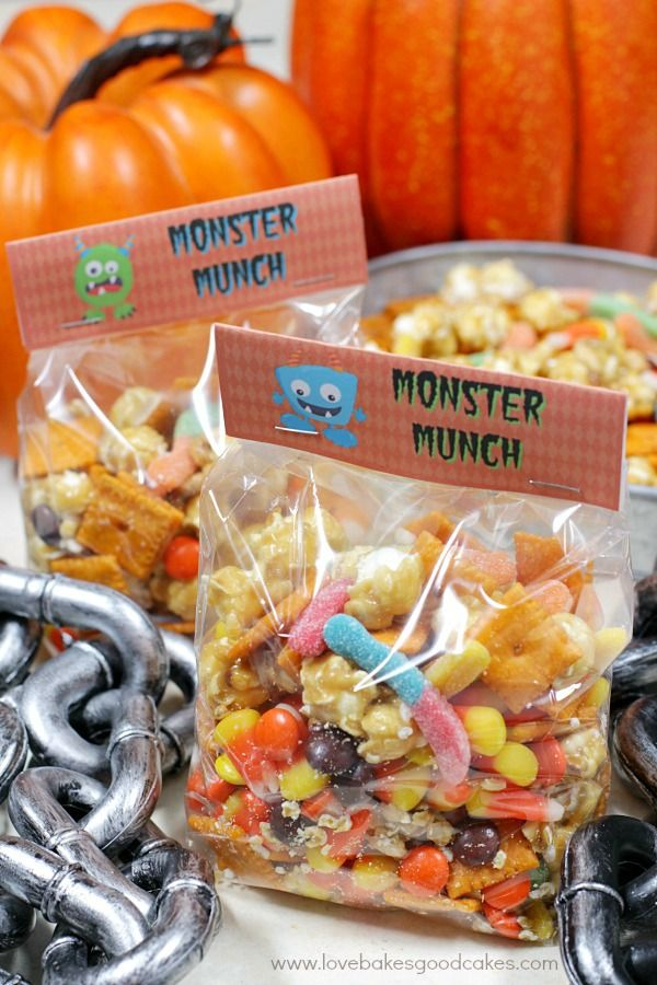 This Halloween Monster Munch makes a fun Halloween party snack. Great for watching Halloween movies, too!