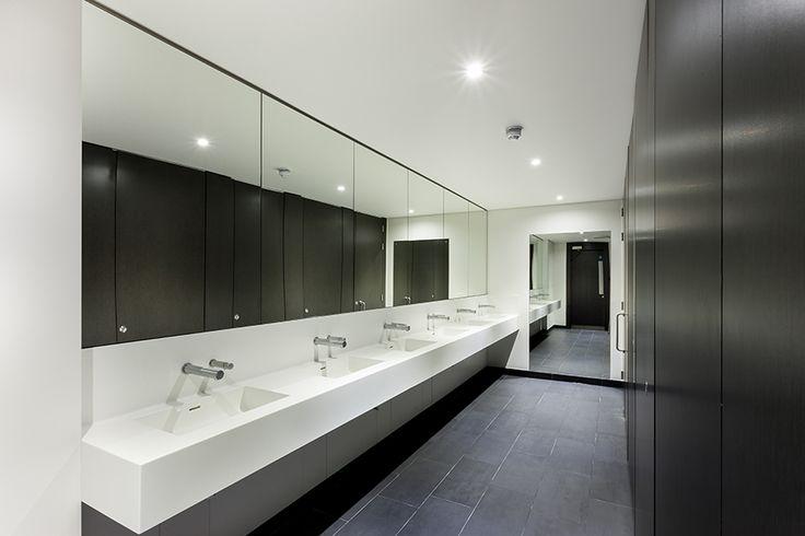 Grant Westfield: Façade Flush Executive Washroom Cubicle System 1 of 8
