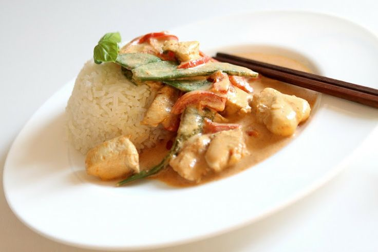 Stina Auer: Delicious red thai curry and coconut milk dish