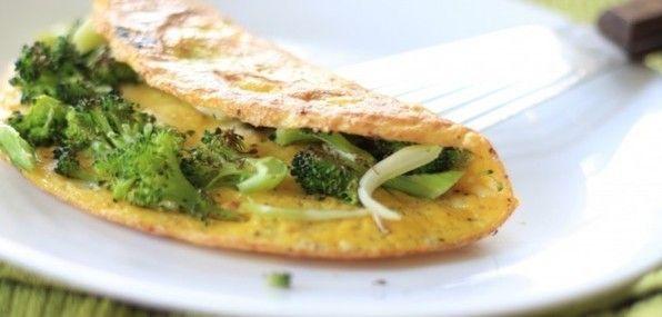 Eiwitrijke recepten: omelet met maïs, broccoli en kikkererwten | Leef Nu Gezonder