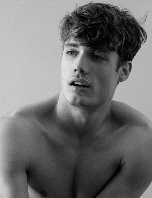 Steven Chevrin— black and white. male models. aesthetic.  784772f818a4