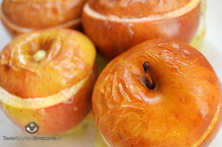 Jabłka zapiekane.