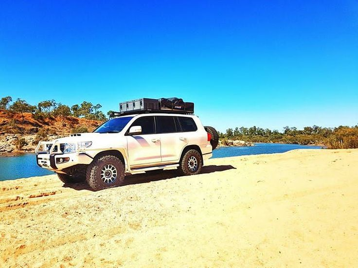 Lapping up this beautiful North Queensland weather! Skies don't get any clearer than this right here, not a cloud in sight! --------------------------------------------------------------  #toyota #landcruiser #200series #vdj200 #v8 #explore #seeaustralia #4wd #adventure #explore #outdoors #overland #tour #tourer #4x4 #4wdaction #travel #creek #river #sand #camp #camping #glamping #tent #rooftop #outdoors