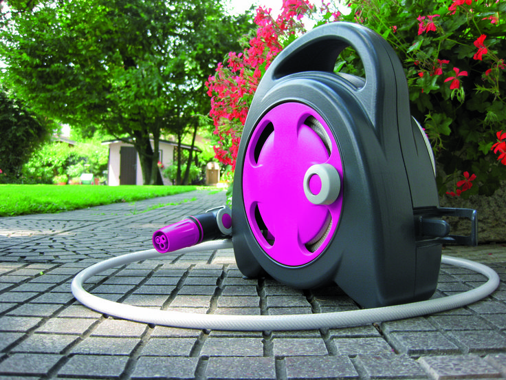 "Mini Hose Reel ""Aquabag"" These are great! 11.5m 10mm hose, Ergo Nozzle & Soft Touch Fittings. Fantastic colour and ideal for small areas, apartment gardens. Even has a internal faucet fitting to run of the kitchen tap!"