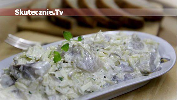 Śledzie w śmietanie - Gotuj.Skutecznie.Tv | video przepisy na proste, smaczne i szybkie w przygotowaniu dania