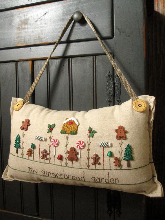 Hanging Pillow My Gingerbread Garden Cottage por PillowCottage
