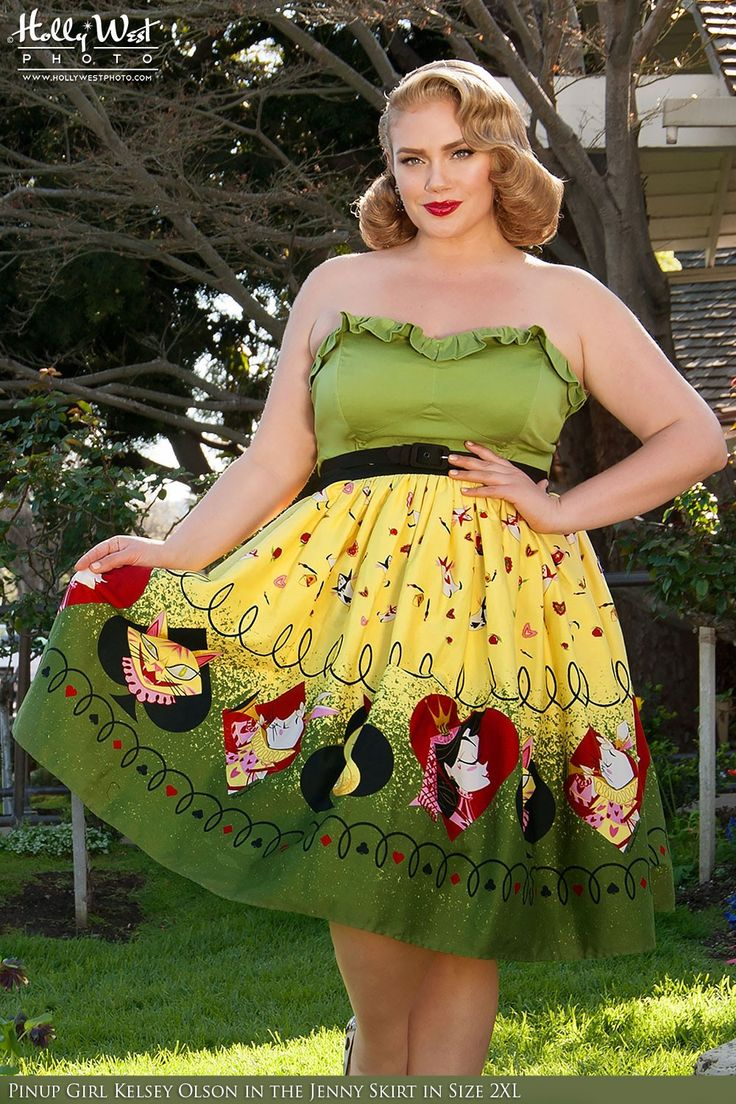 pinup couture jenny skirt in queen of hearts border print