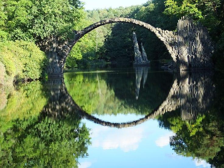 Ракотцбрюке - таинственный мост в центр Европы. Мы посещаем его в наших турах по Германии и Польше.