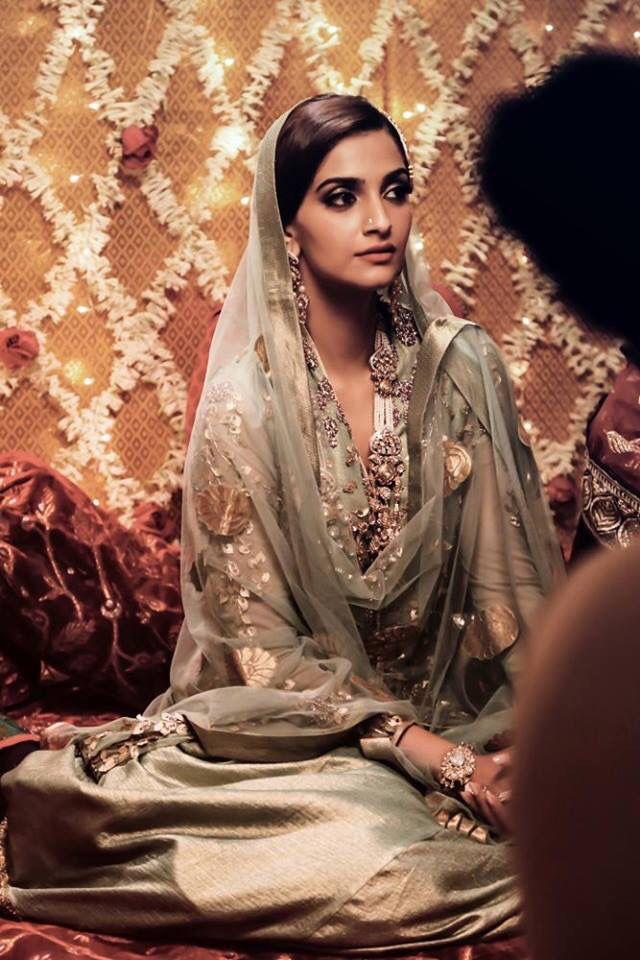 Dolly ki Doli sonam kapoor new clothes indian fashion Style dress