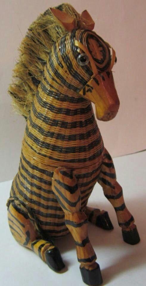 Wicker animal basket: Zebra