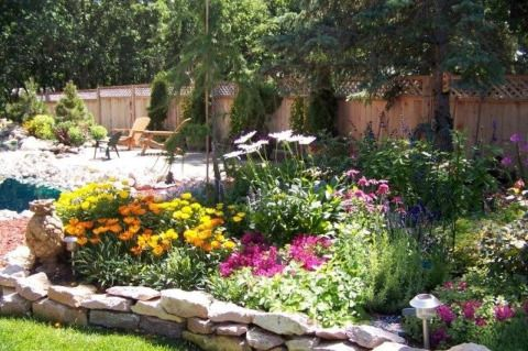 1000 ideas about flower bed designs on pinterest raised - Cheap flower bed ideas ...