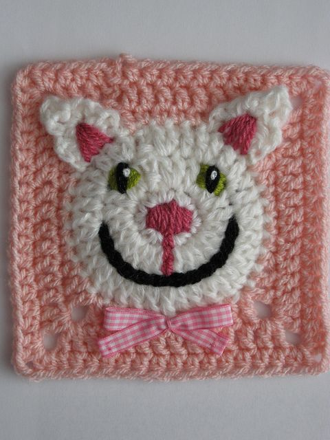 Funny Face Square pattern by Carola Wijma. So sweet!
