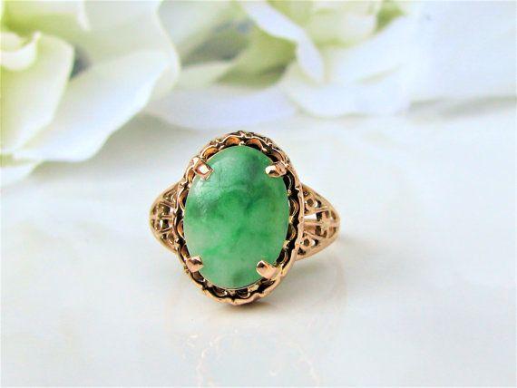 Vintage Oval Cabochon Nephrite Jade Ring by LadyRoseVintageJewel