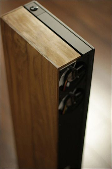 custom wood pc case. ah-ma-zing.